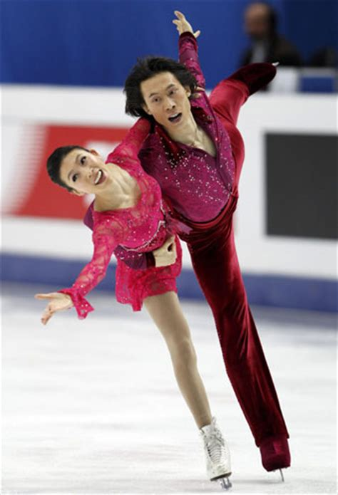 ice skateing duos china s pair skaters win bronze in figure skating worlds