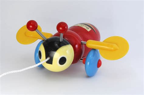 Best Buy Kitchen Knives Buzzy Bee Pull Along Wooden Toy Toy At Mighty Ape