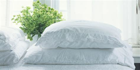 How To Wash Bed Pillows by How To Clean Pillows Cleaning Bed Pillows