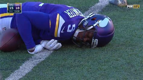Teddy Bridgewater Memes - teddy bridgewater knocked out on hit to head nfl