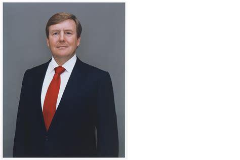 Nieuwe staatsieportretten koning gepubliceerd Willem De Rooij