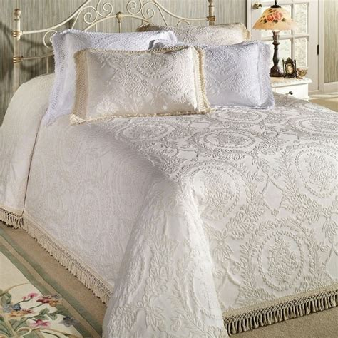 Coverlet Vs Quilt 17 Best Images About Bedspreads Coverlets On