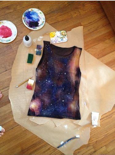 dengan trik mudah ini galaxy t shirt yang keren dan menarik bisa kamu bikin sendiri