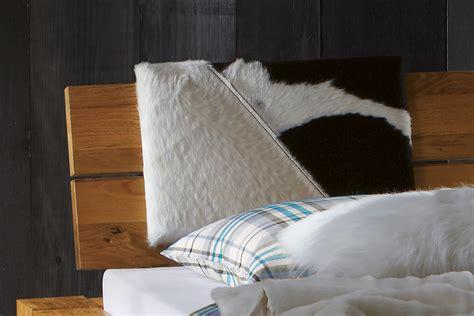 kopfteil rückenkissen wildeichebett mit niedrigem bettrahmen und kopfteil aragon