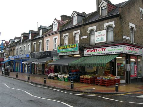 Shops In Green by File Shops On Green E7 Geograph Org Uk 433296