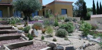 Charmant Bordure De Jardin Fait Maison #4: 4_jardins_dexcellence_pente_amenagement_escaliers_3.JPG
