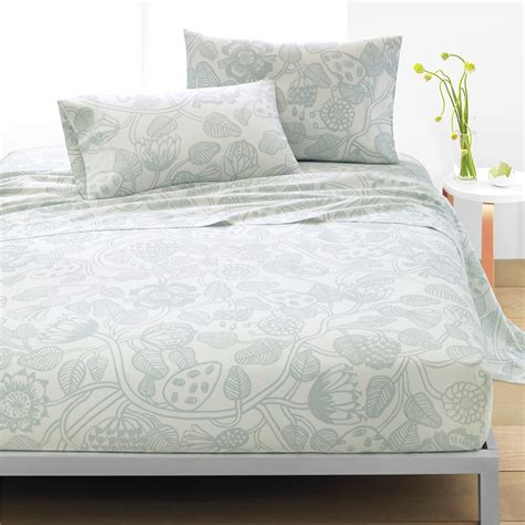bed sheet sets queen marimekko tiara white grey sheet set queen marimekko tiara percale bedding
