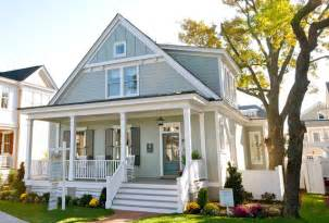 Light Gray Is The Traditional Color Of Cape Cod Style Exterior Paint Colors On Exterior Design Cape