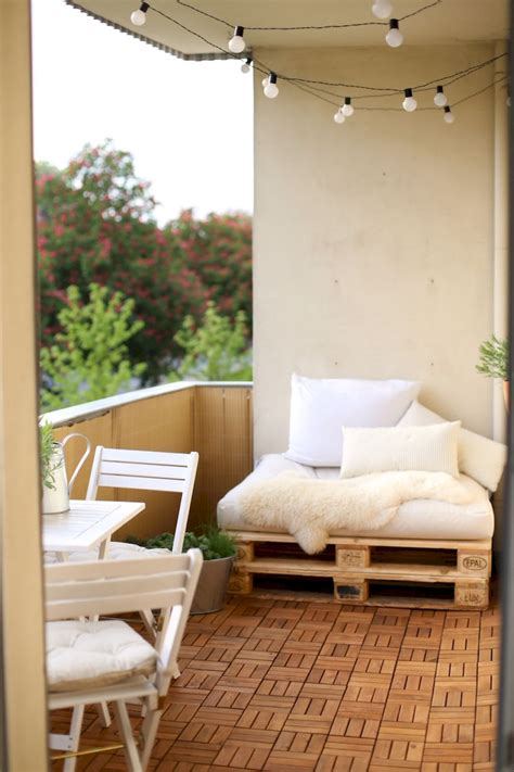small balcony decorating ideas on a budget cozy apartment balcony decorating ideas on a budget 25