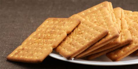 konsumsi sekeping biskuit sehari  bersihkan lidah