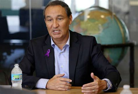 oscar munoz united ceo united ceo apologizes for infamous video before delving