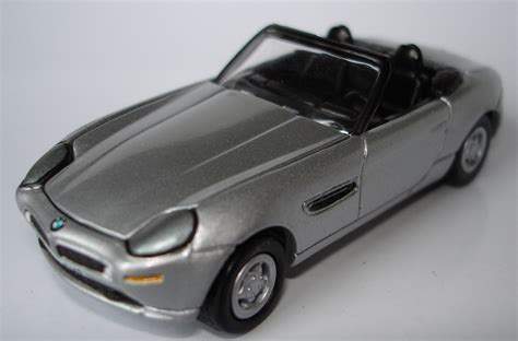 Bmw Z8 Johnny Lightning Bond 007 劇中車64のページ