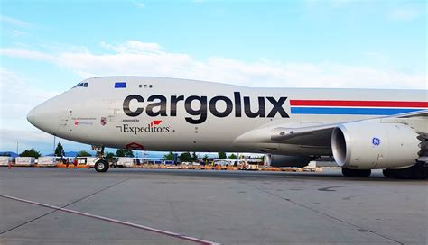 cargolux leases thermosafes pharmaport containers air