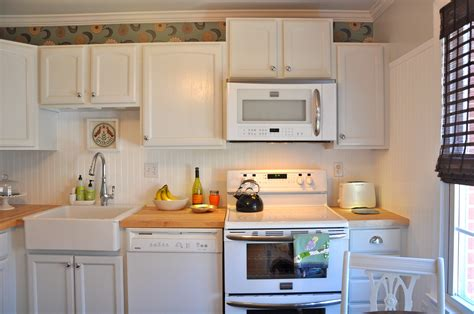Inexpensive Kitchen Backsplash by Easy Inexpensive Kitchen Backsplashes Easy Inexpensive