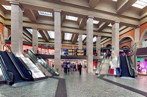 negozi stazione porta nuova torino post spritzum restauro conservativo per porta nuova