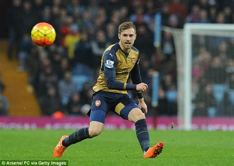 aaron ramsey does david beckham impression in arsenal pre david beckham kanye west and sylvester stallone