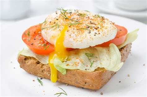 2 eggs carbohydrates protein egg and tomato toast