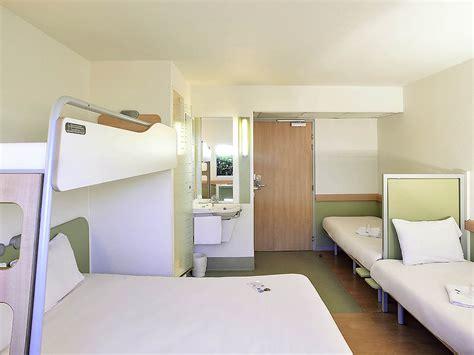chambre d hotel pour 5 personnes h 244 tel 224 issoire ibis budget issoire