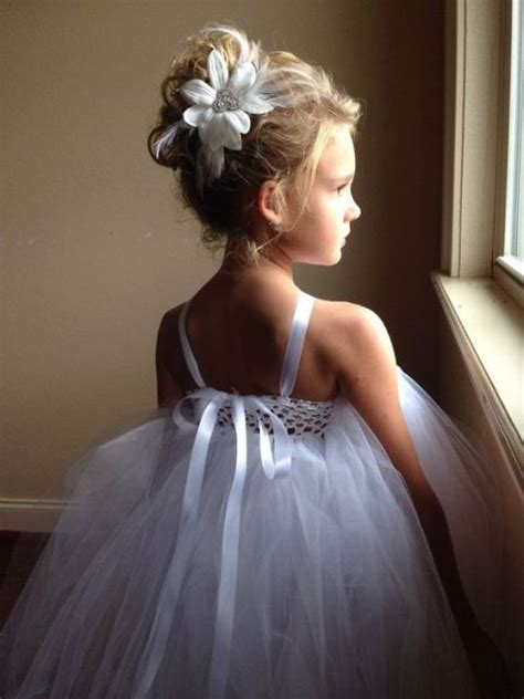 cute hairstyles to wear to a wedding 21 super cute flower girl hairstyle suggestions to make