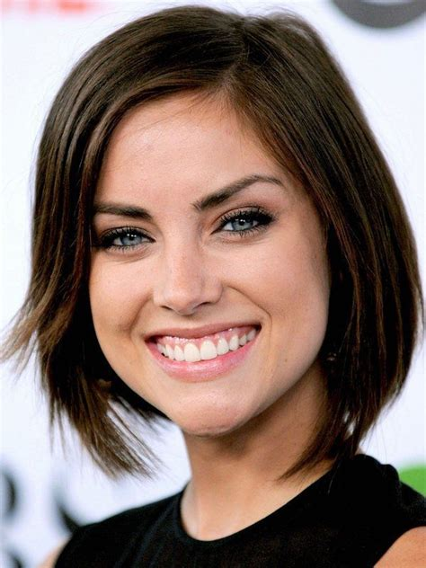 hairstyles for thick hair and heart face best 25 heart shaped face hairstyles ideas on pinterest