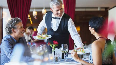 corsi di cameriere corso per cameriere di sala con competenze bar