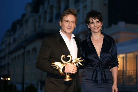 benoit magimel and juliette binoche a strong woman juliette binoche takes lead on raising