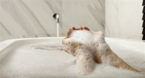 bathtub pregnancy is it safe to take hot baths while i m pregnant babycenter