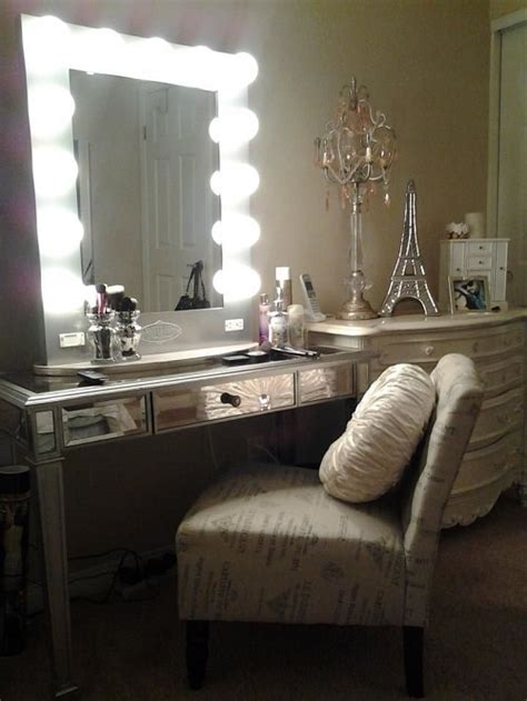 Mirror Lights Bedroom 15 Fantastic Vanity Mirror With Lights For Bedroom Ideas
