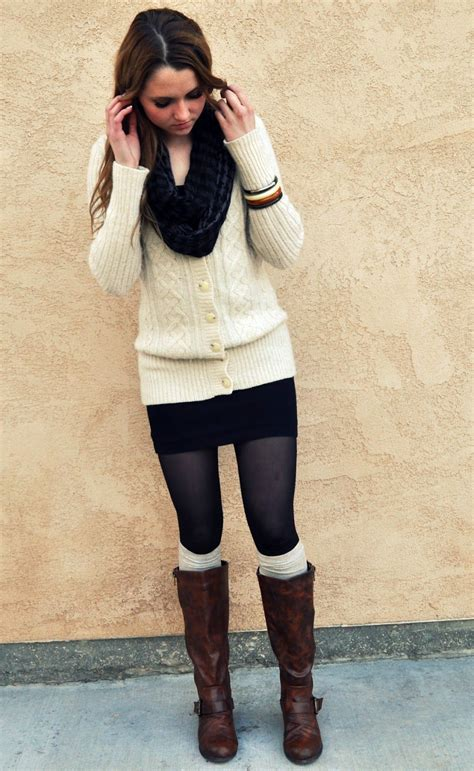 love  chunky sweater big scarf skirt tights