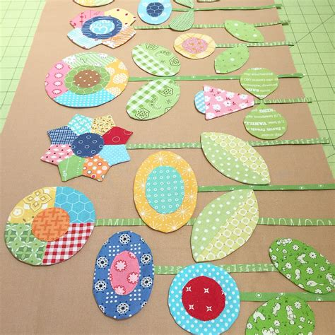 Patchwork Flowers - sew simple shapes patchwork flower garden tutorial