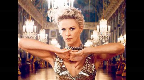 Charlize Theron Got Rid Of The Black Do by Charlize Theron S Gorgeous Commercial Get An