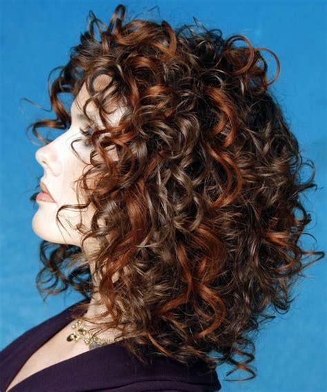 hairstyles for plus size women with thick curly hair 17 best ideas about curly medium hairstyles on pinterest