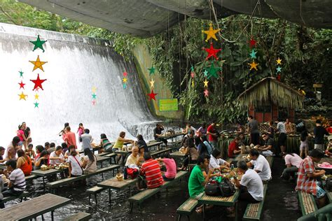 villa escudero waterfalls restaurant villa escudero the waterfall resturaunt in phillippines