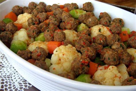 resimli yemek tarifleri tm yemek tarifleri kolay ve pratik resim g 252 ve 231 te k 246 fteli karnabahar yemeği tarifi oktay usta