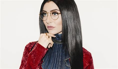 qveen herby introduces busta rhymes noiseporn