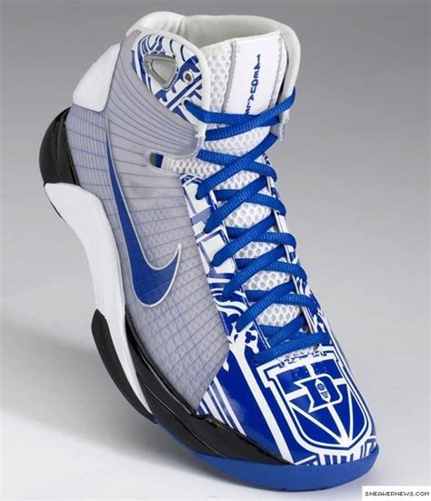 basketball coaching shoes duke basketball shoes even though they re blue