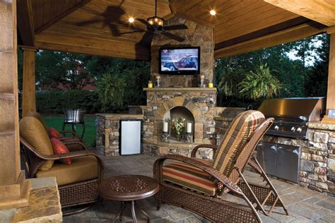 How To Build An Outdoor Kitchen Island by Firepits Fireplaces And Cool Weather Entertaining