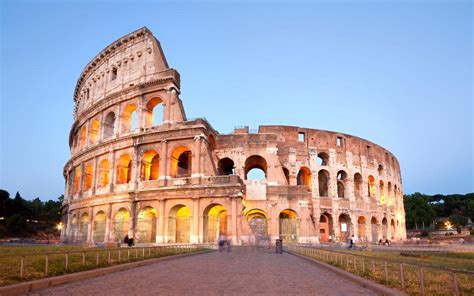 tourist arrested for vandalising rome s colosseum