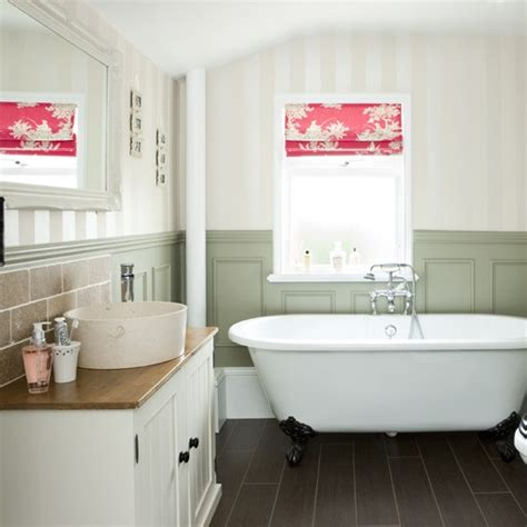 Bathroom Makeovers Country Style Be In Inspired By This Bathroom Makeover With