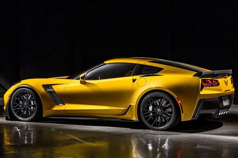 corvette supercar new chevrolet corvette z06 supercar pictures details
