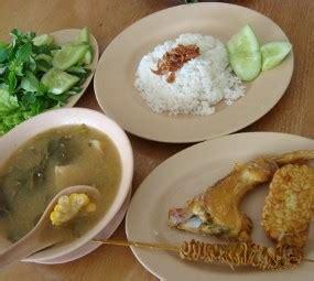 yuk kite makan nasi uduk betawi