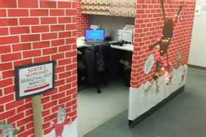 santa workshop cubicles ideas cubicle turned santa s workshop photos