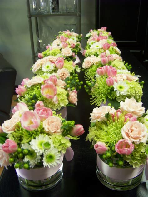 simple flower arrangements for tables 158 best images about wedding flowers bouquets