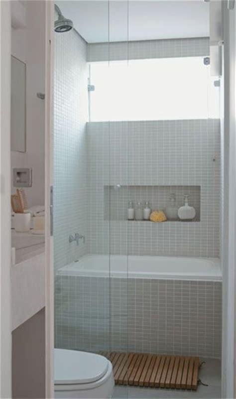 bathtub small space banheiros decorados com pastilhas 35 lindas ideias