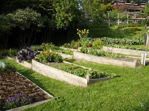 Vegetable Garden On A Slope Idea For Garden Bed On Slope Outdoor Living