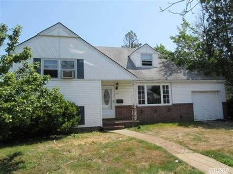 oceanside houses for sale 315 evans ave oceanside ny 11572 reo home details