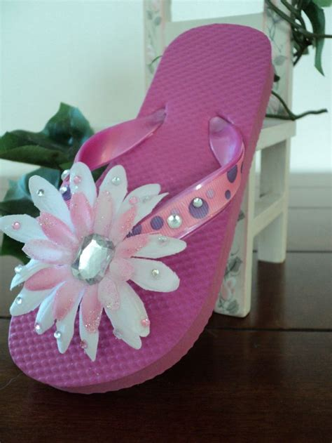 Flip Flop Decorating Ideas by Decorated Flip Flops Flip Flops And Arts Crafts On