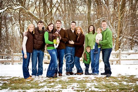 family photo color schemes family picture color schemes