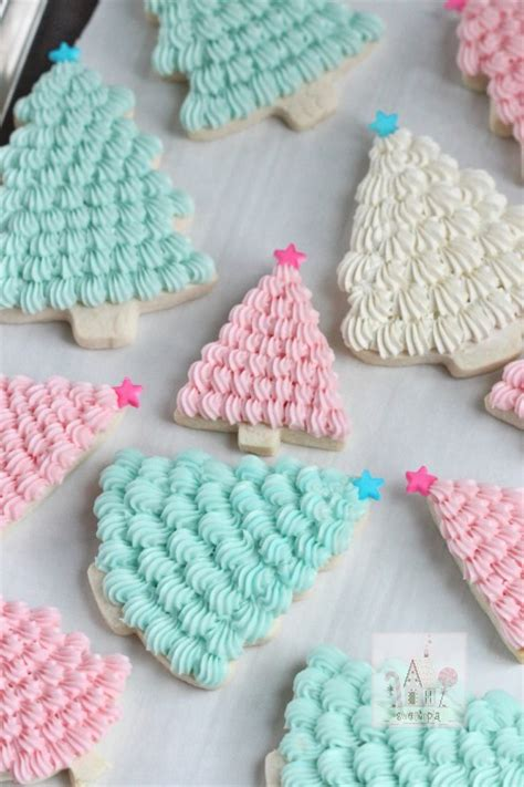christmas tree cookie with buttercream icing best cheap party snack food recipe diy craft