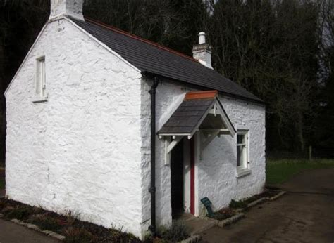 Lock Keepers Cottage Belfast by The Lock Keeper S Cottage Beside The Lock Keeper S Inn